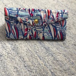LILLY PULITZER sunglasses holder, barely used